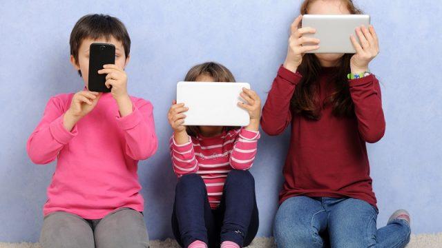 Copiii sunt afectati de informatia din mediul online